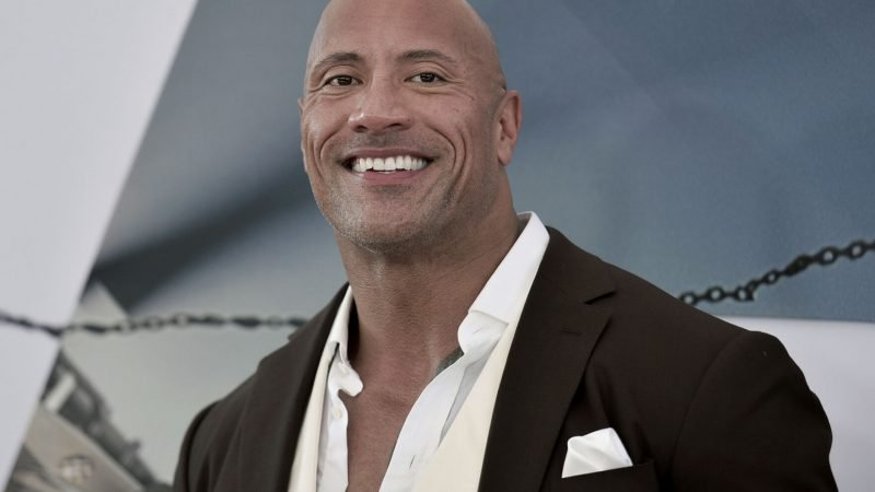 Dwayne The Rock Johnson adquiere XFL